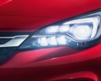 Успешният Opel Astra и матричните IntelliLux LED® светлини печелят клиенти за марката